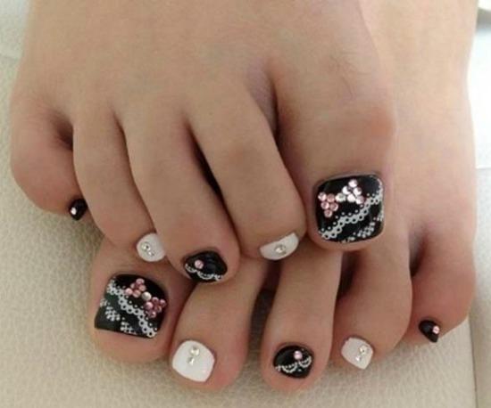 lace toe nail Art design