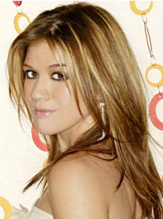 Kelly Clarkson staight layered hairstyle