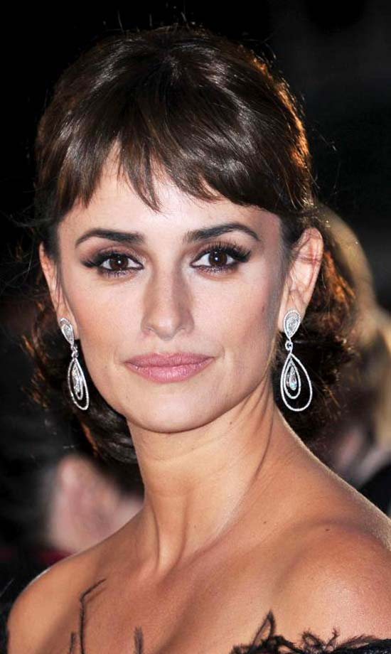 Short Hairstyles For Wavy Hair With Bangs Page 1