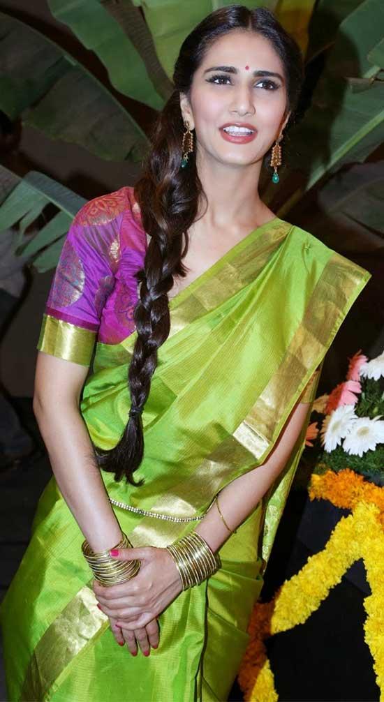 Vaani-Kapoor-In-Parrot-Green-Georgette-Saree