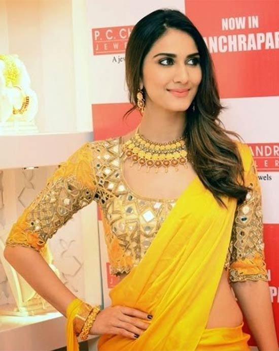 Vaani-Kapoor-In-Yellow-Saree-With-Mirror-Work-Blouse