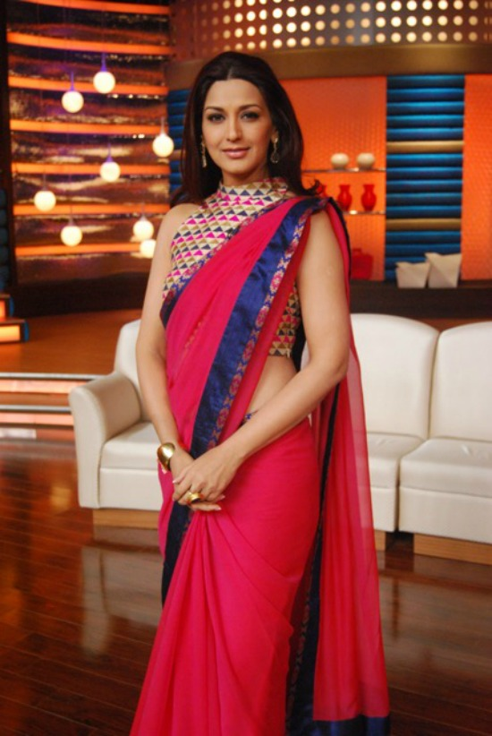 Sonali Bendre Behl In Red Saree Paired With Printed Blouse