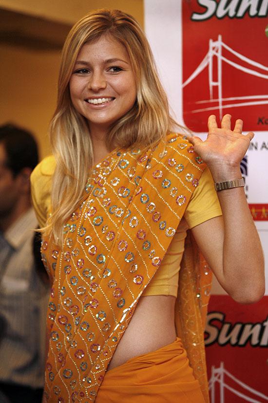 Maria Kirilenko Looks Stunning In Saree