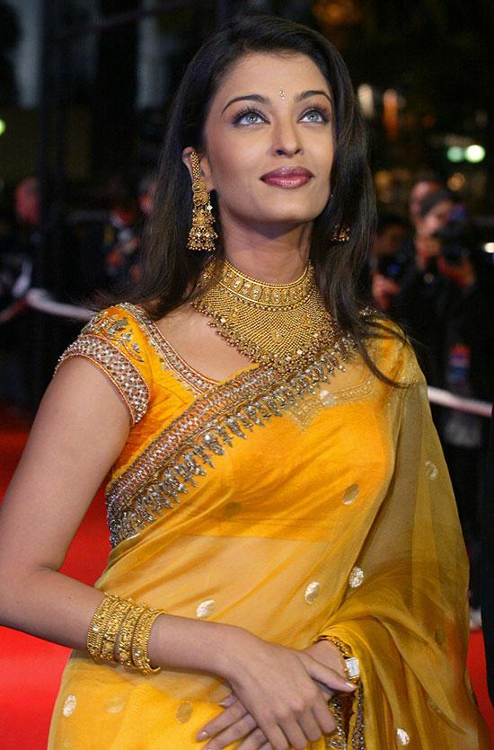 aishwarya-rai-in yellow saree