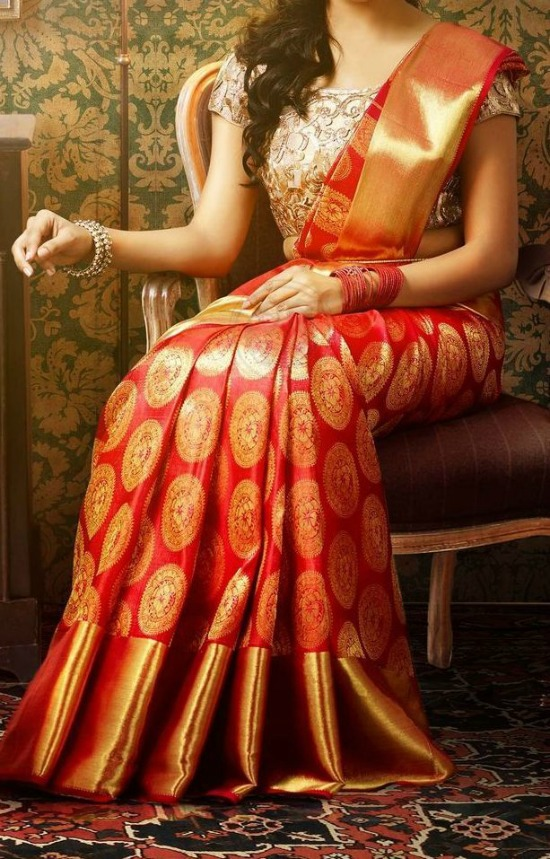 Red Koorai Wedding Saree With Gold Color Blouse