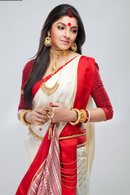 White Bengali Saree With Red Border