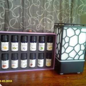 Cube Aromatherapy Diffuser + 14 Oils Gift Pack