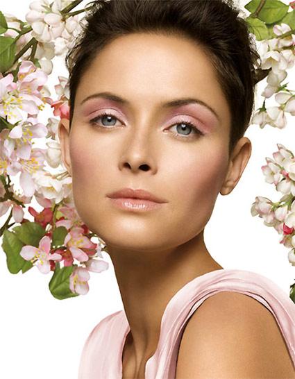https://i2.wp.com/www.beautyme.com/cosmetics/2008/clinique12-2008b.jpg