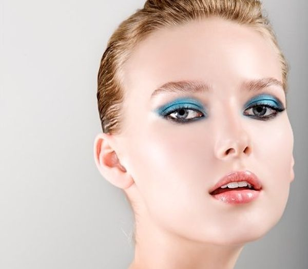 blue-eyeshadow