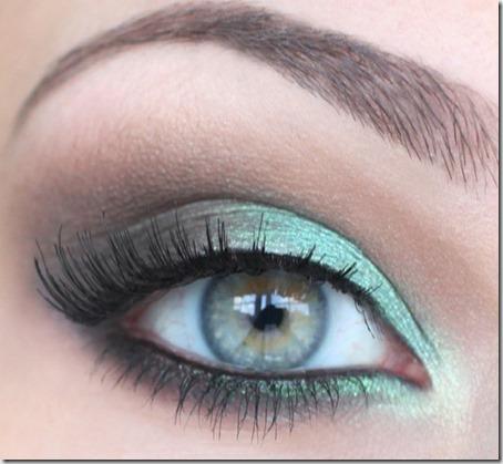 blue eyes makeup 7