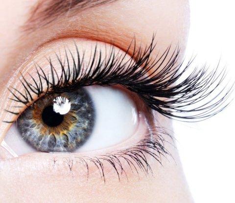 long fuller eyelashes
