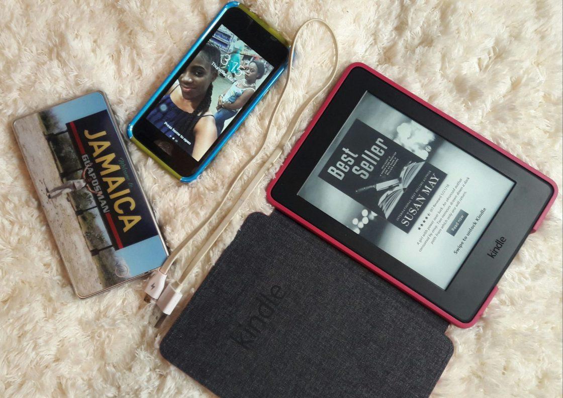 Amazon Kindle eReader, Apple iPod Touch, Power bank