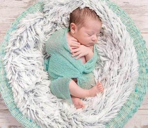 wooden floor backdrops newborn photography ideas