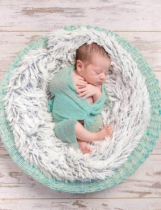 wooden floor backdrop newborn photography ideas