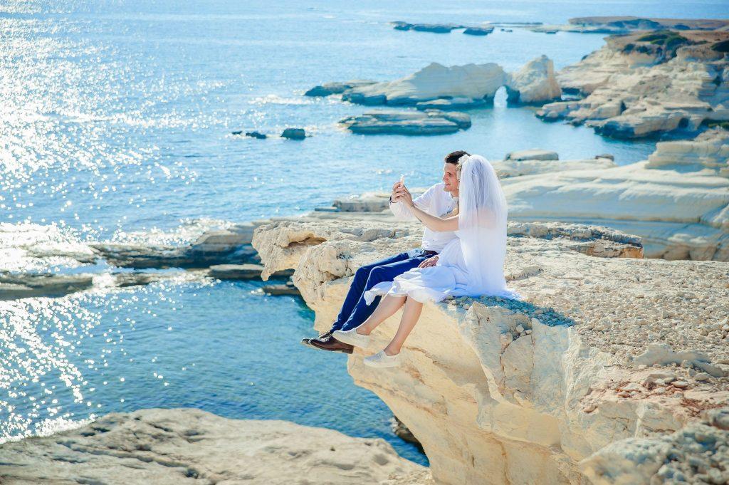 honeymoon travel checklist
