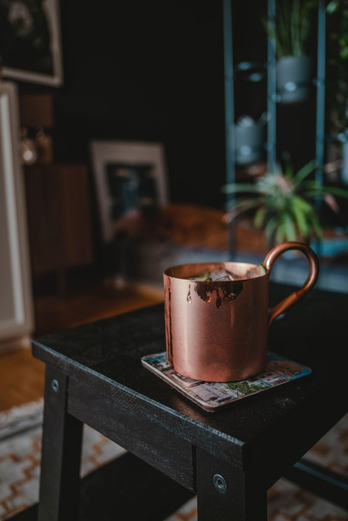 6 Unbelievable Healing Benefits of Drinking Water in a Copper Vessel