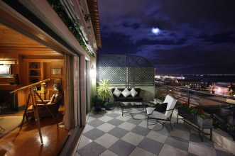 As-Janelas-Verdes_Terrace-Night_Geral-1
