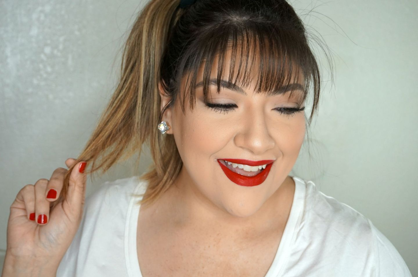 Simple Christmas Makeup Look // Simple Red Lip Makeup Look // Simple Makeup // Easy Makeup Look // Classic Makeup // Glam Makeup | Beauty With Lily