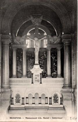 Sépulture de la Famille Saint (vue de l'intérieur)