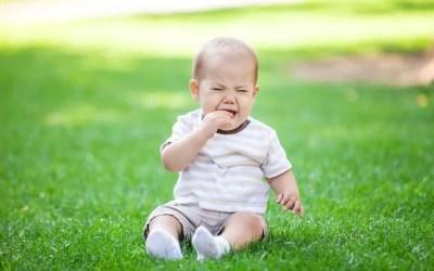Bébé a mal aux dents : que faire ?