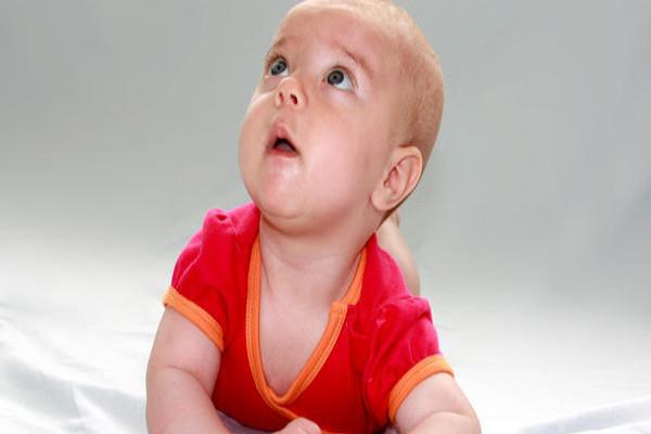bebê 4 meses