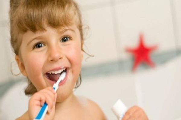 cuidados com o dentinho do bebê