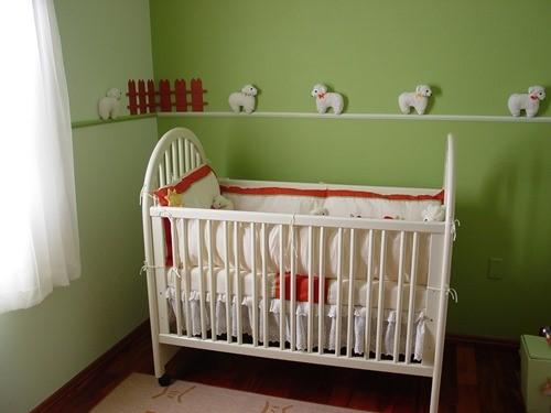 acostar al bebe en la cuna
