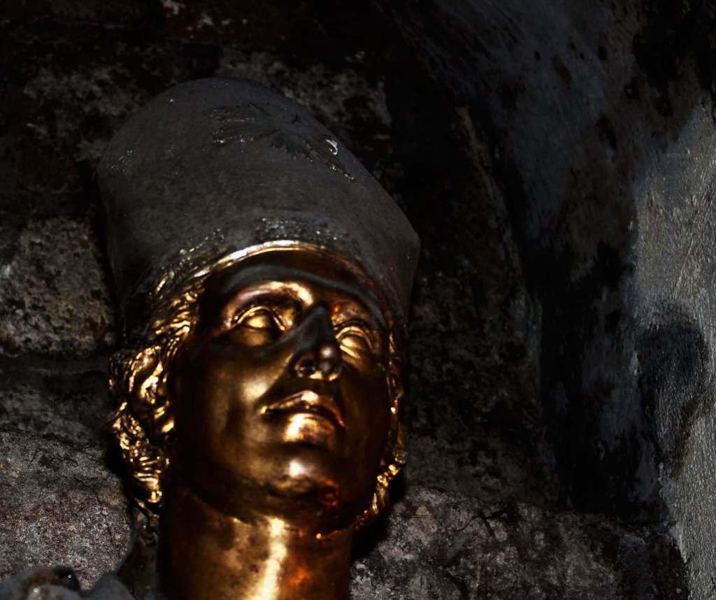 Napoli-sotterranea-particolare-sangennaro