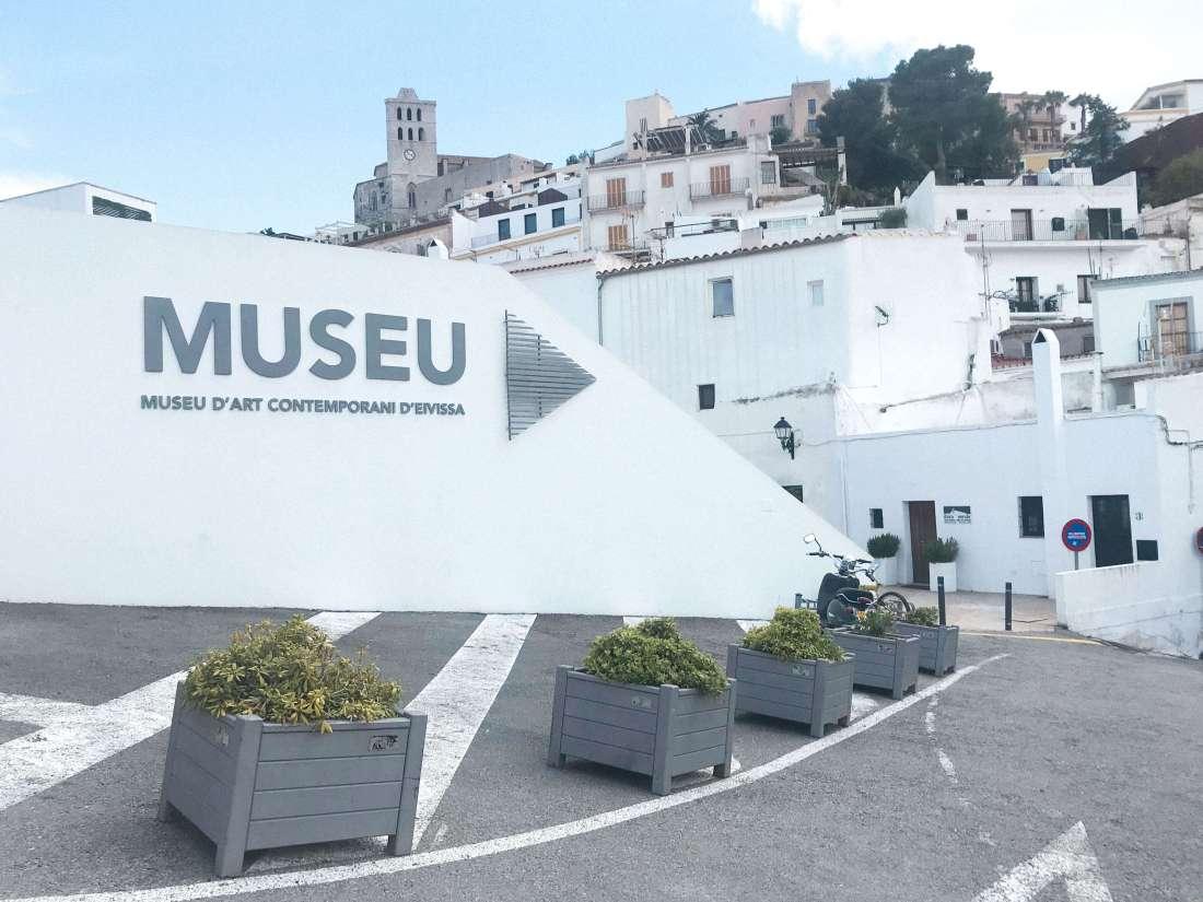 centro di Ibiza-museo di arte moderna
