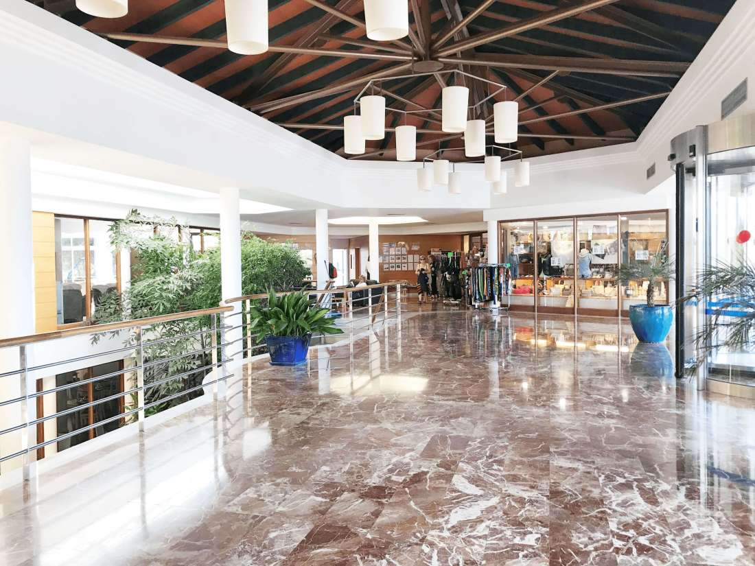 hotel-princesa playa-minorca-hall-2