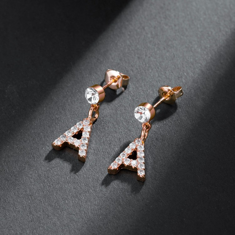 Iced Out Front Earlobe Rose Gold Color Shine Stud English Custom Letter Initial Earring For Teenage Girls Simple Bling Jewelry For Women Casual Jewelry