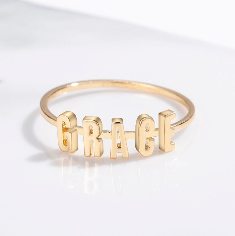 Personalized Separate English Letter Gold Custom Name Ring Shine Finger Wear Jewelry For Women