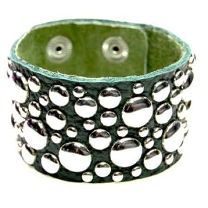 Lederen studs armband groen