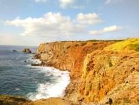 Steilküste am Praia de Bordeira.