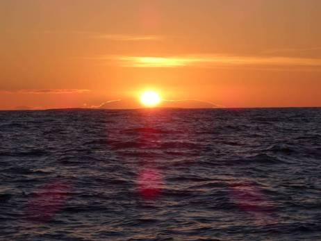 Sonnenaufgang über der Insel Wega