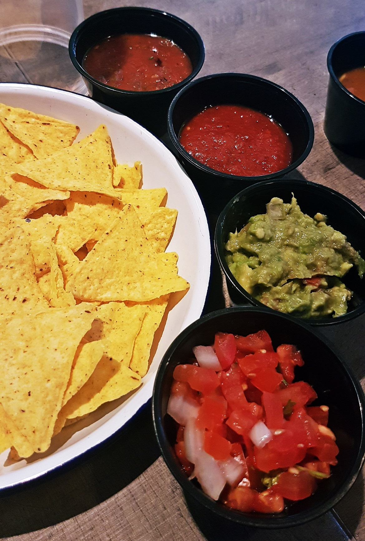 Tortilla chips. salsa and guacamole - Burrito Masterclass with Barburrito, review by BeckyBecky Blogs