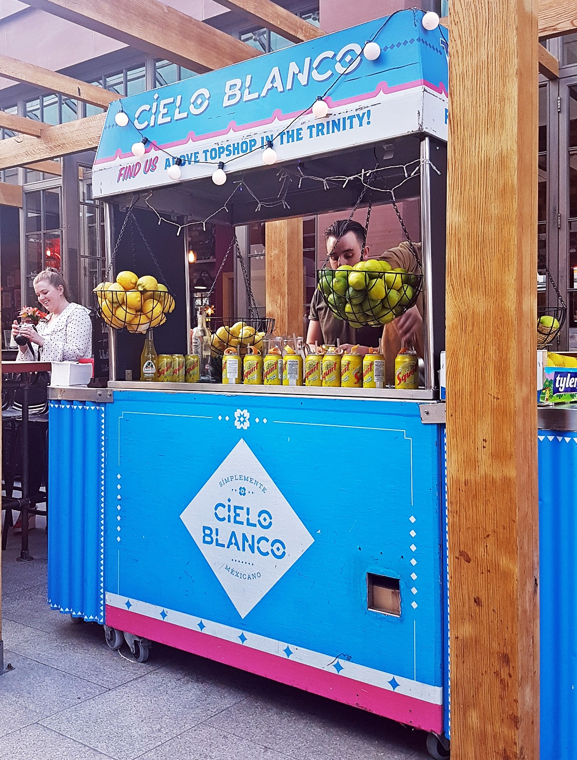 Drinks booth serving Soda Can Palomas - Cielo Blanco Social Summers, review by BeckyBecky Blogs