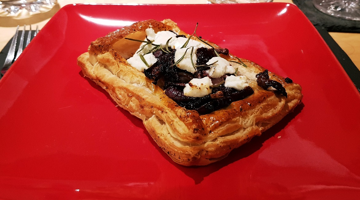 Parma ham and goats cheese tartlet - December Monthly Recap by BeckyBecky Blogs