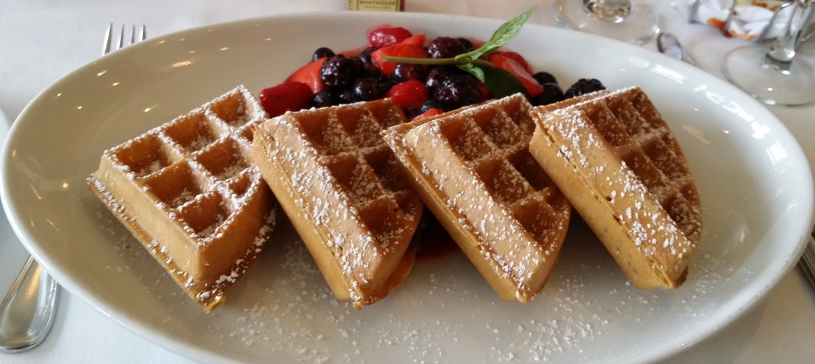 Waffles at the Loeb Boathouse - New York New York, travel blog by BeckyBecky Blogs