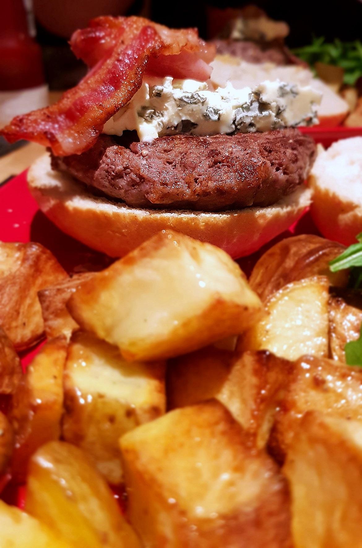 Gourmet burgers - November Monthly Recap by BeckyBecky Blogs