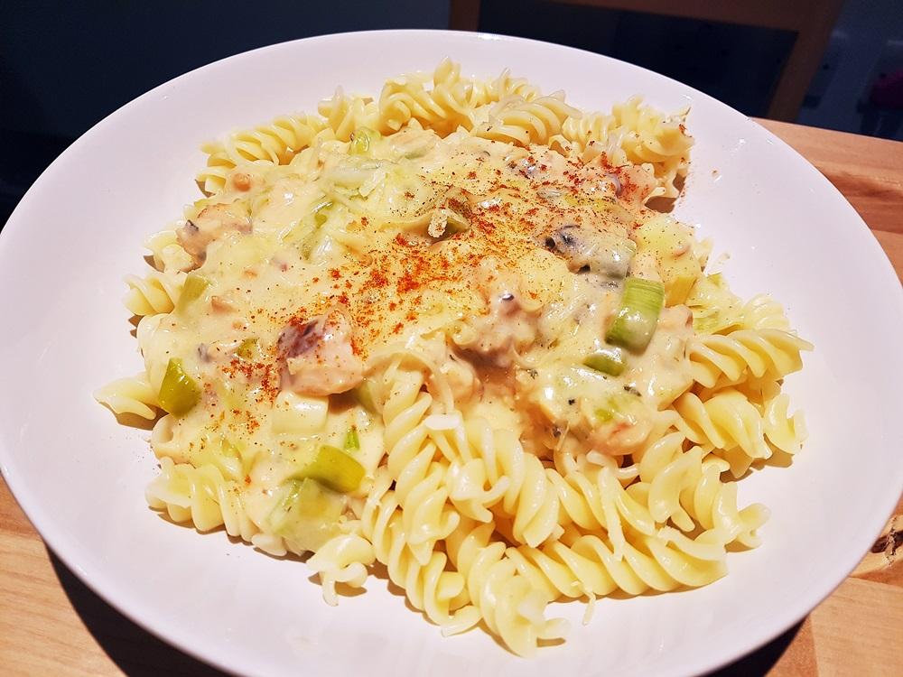 Recipe for cheesy salmon pasta