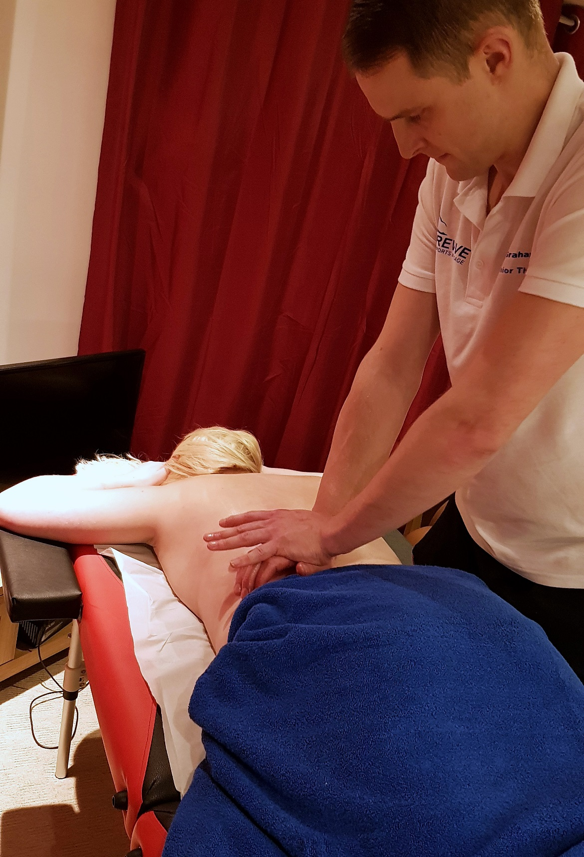 Lower back massage - Deep Tissue Massage with Revive Sports Massage in Leeds by BeckyBecky Blogs