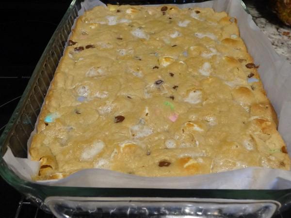 baked blondie bars in pan