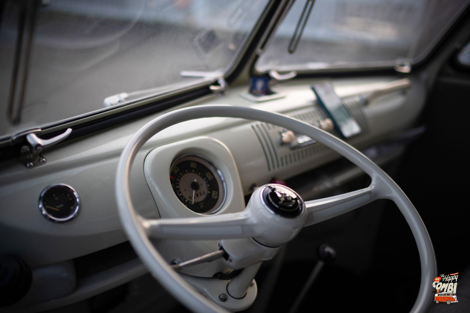 Premiers tours de roue avec Rocky - VW Camper de 1966 - BeCombi