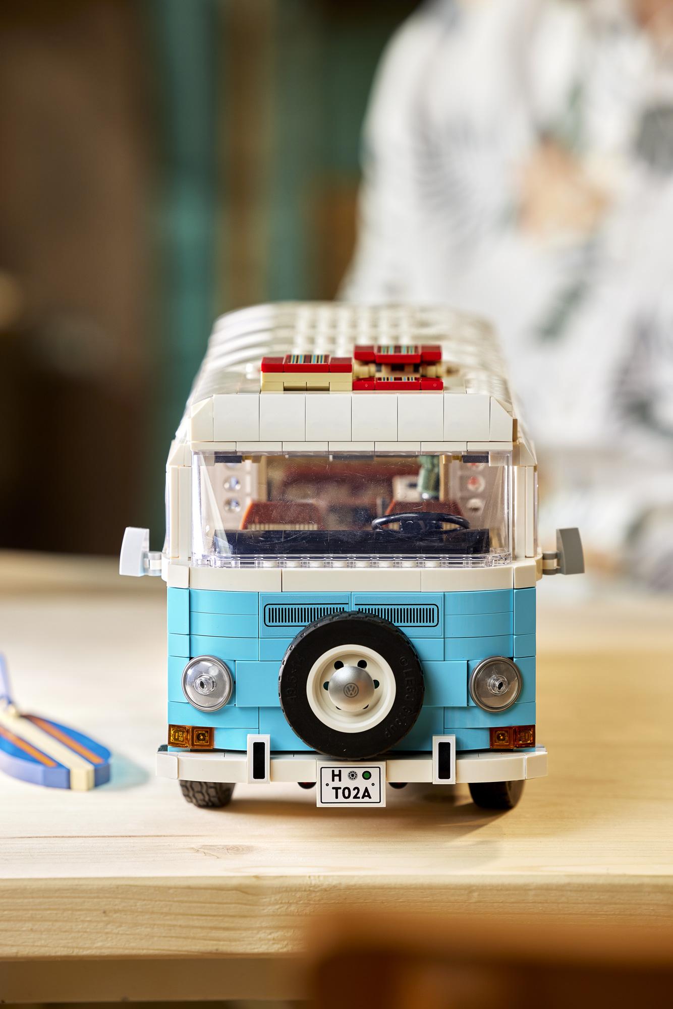 Lego T2 Campervan BeCombi 17