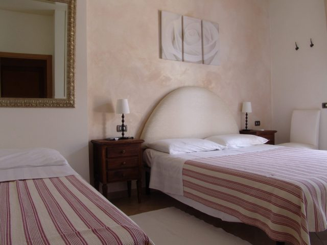 bed and breakfast il casale camera specchi 3 letti