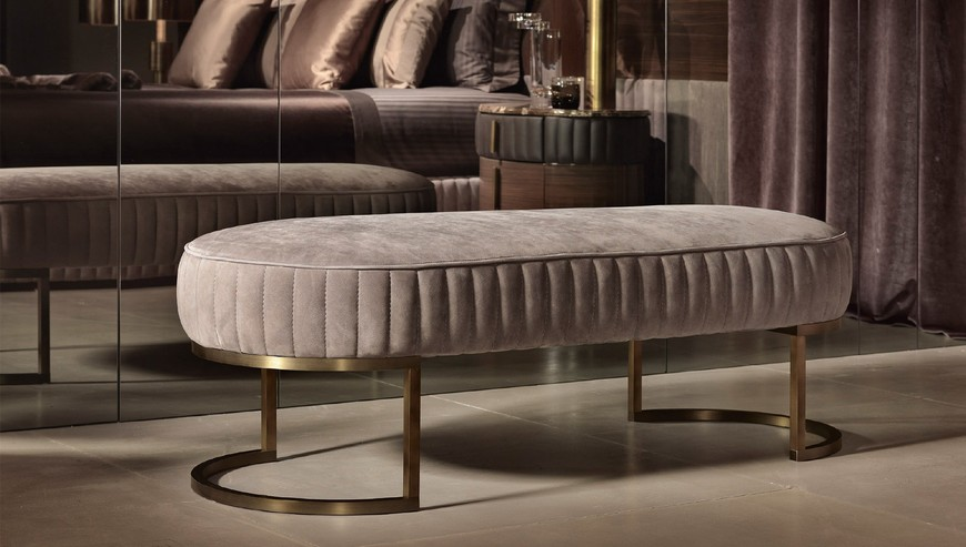 10 Stunning Luxury Benches To Embellish Your Bedroom