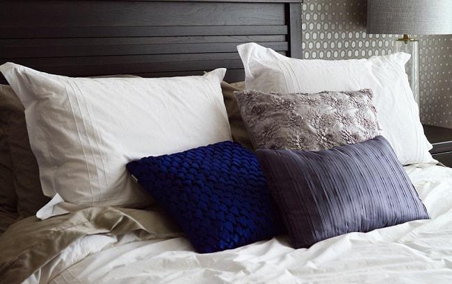 Bedding-Bed-Pillows