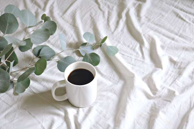 bed-linens-coffee-cup