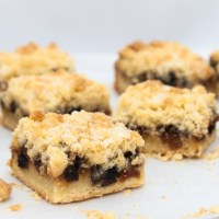 Mincemeat crumble square